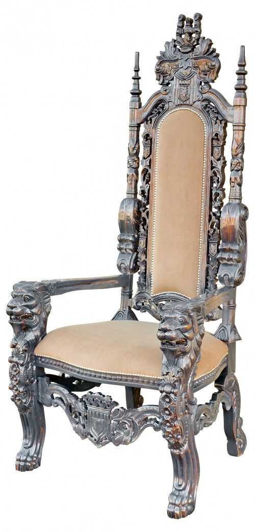 Traforata Throne Chair